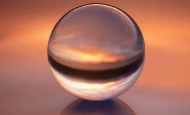 「とにかく当たる」伝説のカリスマ占い師『水晶玉子』を徹底調査